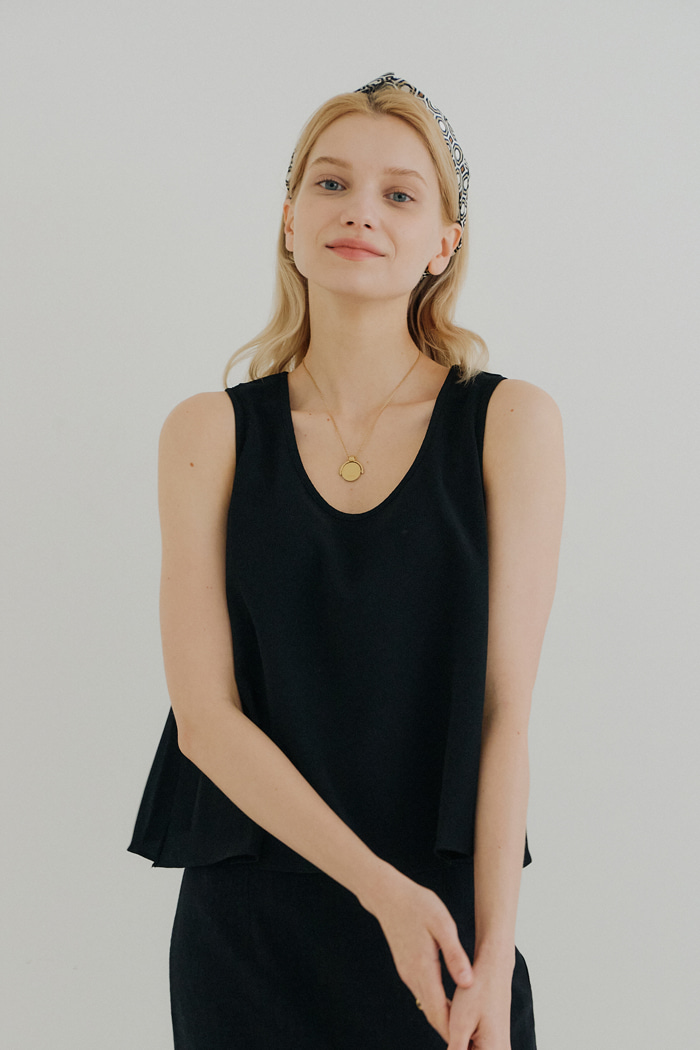 CROSS SLEEVELESS SHIRT_BLACK